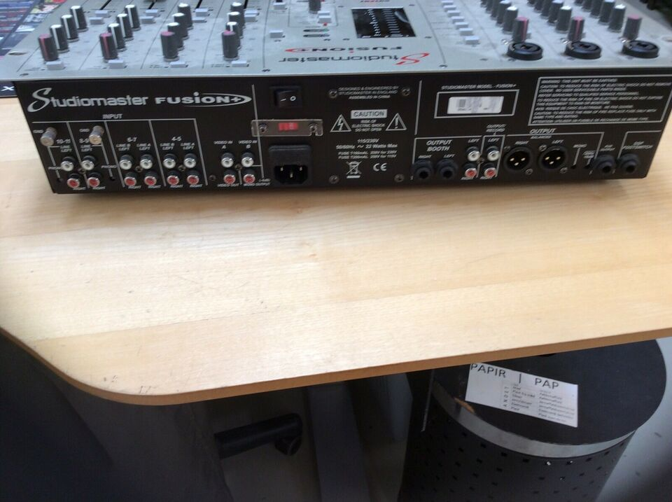 Mixer, Studiomaster Fusion+
