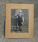 Vintage foto bambino all'interno di cornice cartone per appendere déco vintage