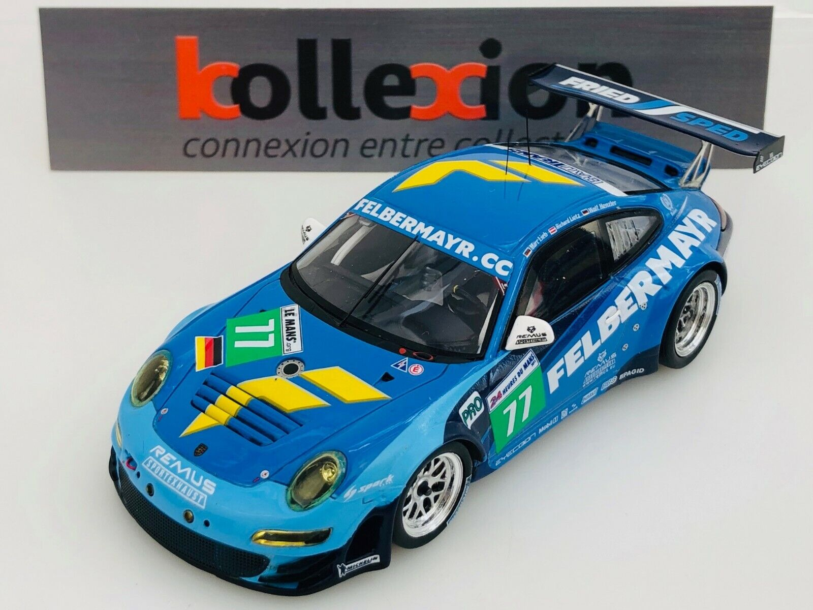 SPARK S3418 PORSCHE 997 GT3 RSR Team Felbermayr-Proton n°77 Le Mans 2011 1.43 NB