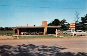 WAVERLY-IA-1954-Long-Gone-Carver-039-s-Restaurant-with-Old-Cars-VINTAGE-543