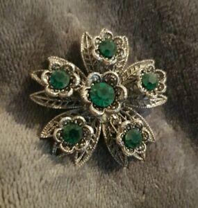 Vintage-Brooch-silvertone-Filigree-flower-Green-Stones
