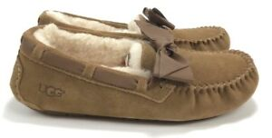 61756547cb4 Details about Ugg Women's Dakota Suede Leather Bow Chestnut Moccasin  Slippers Size 9, 10