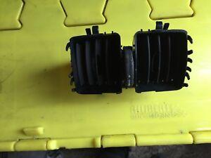 Mercedes-Clase-C-W204-Consola-de-ventilacion-de-aire-sin-necesidad-de-cubierta-trasera-A2048300354