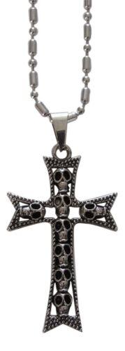 gothique style. pendentif croix multi têtes de mort Collier