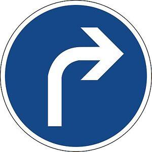 Verkehrszeichen-209-20-Vorgeschriebene-Fahrtrichtung-rechts-in-420mm-amp-600mm