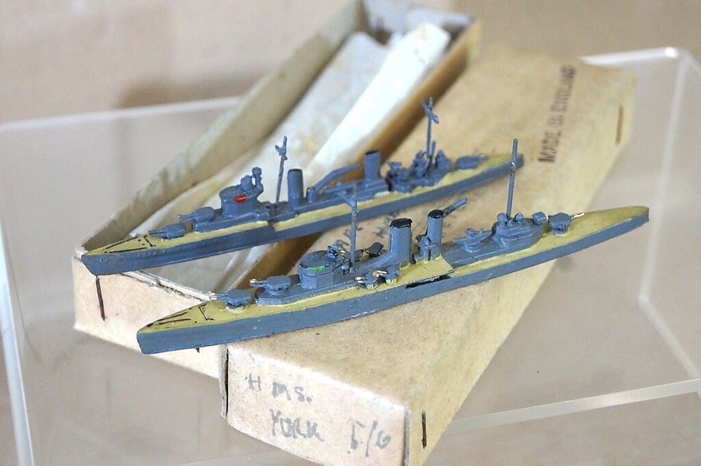 Tremo Tm Hms Exeter & Arethusa 1 1200 WWII Cruiser Luz y Modelo de Nave M