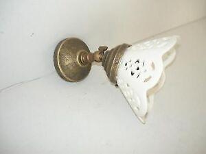 Applique-in-ottone-brunito-da-parete-bagno-ufficio-casa-con-ceramica-traforata