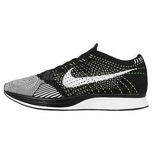 Nike Flyknit Racer Negro Blanco Zapatos de hombre para correr