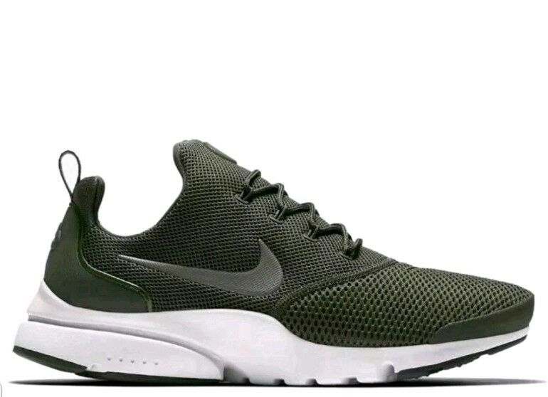 Nike PRESTO FLY 908019 201 Mens Trainers Medium Olive green size 10 eur 45 us 11