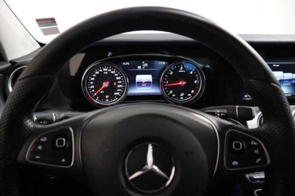 Mercedes E220 d 2,0 Avantgarde aut. - billede 3