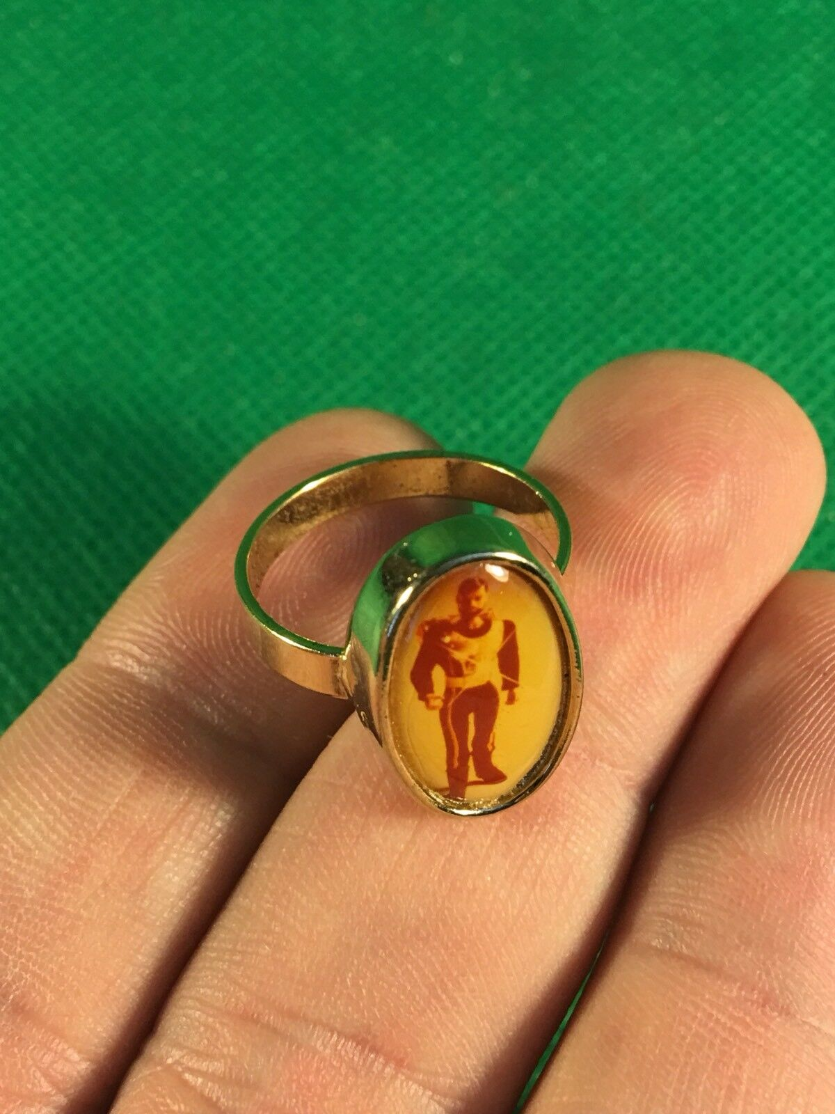 VINTAGE 1964 GI JOE -- 1977 SUPER JOE COMMANDER ADVENTURE TEAM CLUB   gold RING