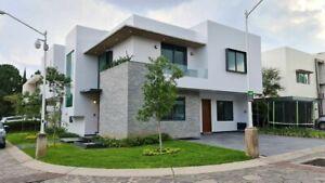 Casa Residencial con Proyecto de Diseñador!!