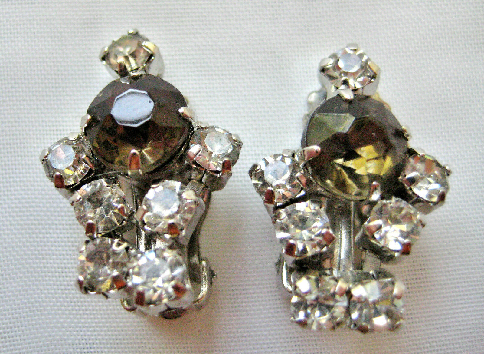 VINTAGE CRYSTAL & SMOKEY RHINESTONE EARRINGS RHODIUM PLATED