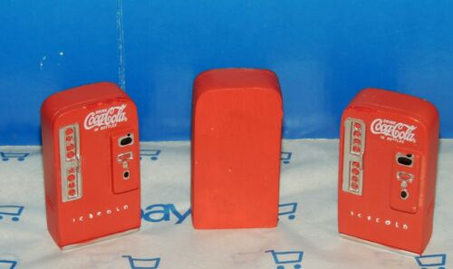 SCALE FACTORY SECONDS RESIN THREE COCA-COLA MACHINES MINIATURE 1:24//1:25 G 3