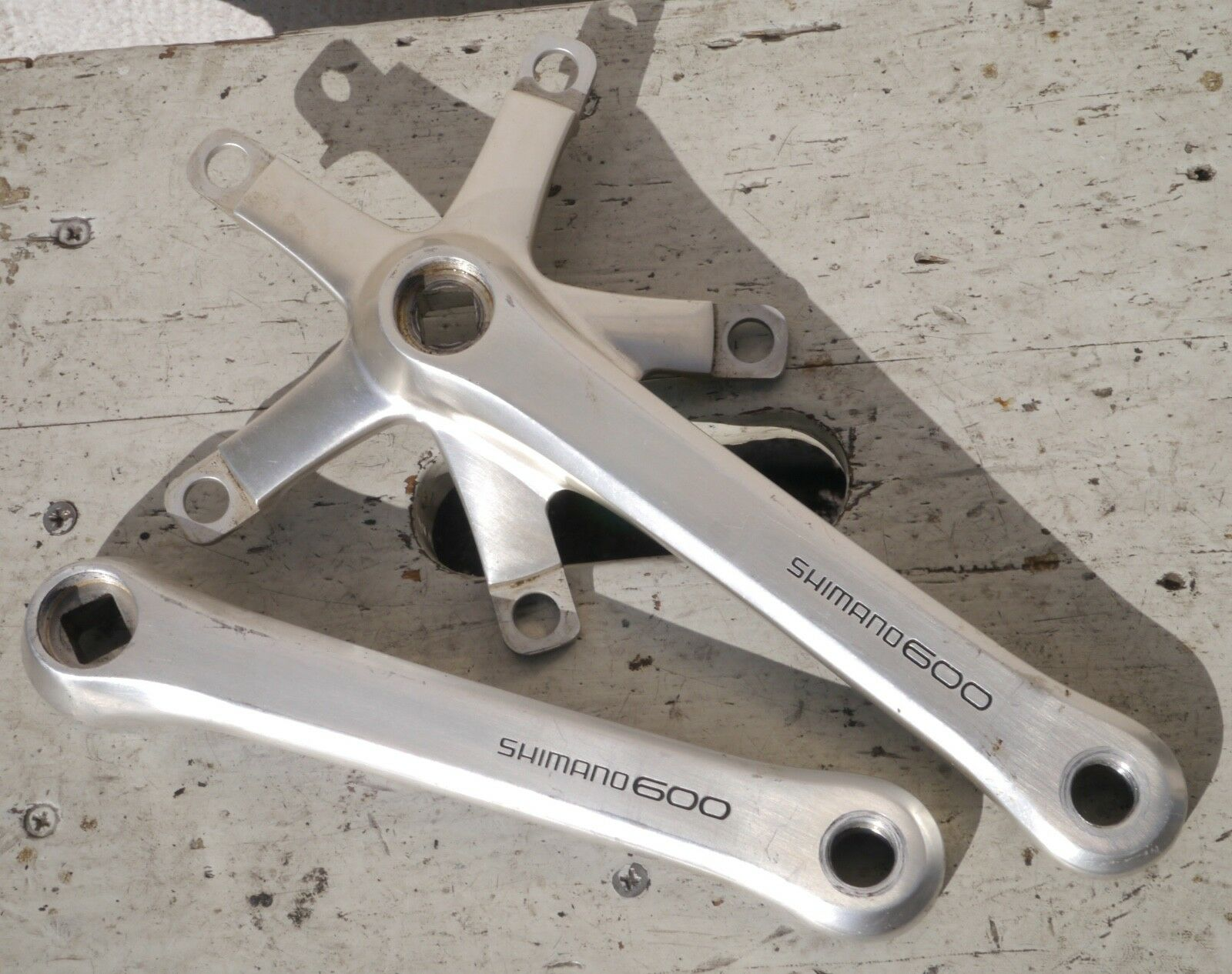 Shimano 600  FC 6207, 170 mm  crank, only left and right body