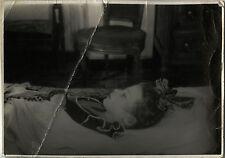 PHOTO ANCIENNE - VINTAGE SNAPSHOT - ENFANT DÉFUNT MORT POST MORTEM - DEAD CHILD