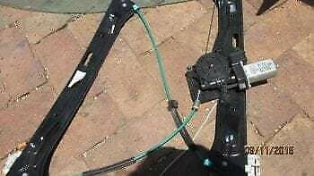 BMW 1 SERIES E87 RIGHT FRONT WINDOW MECHANISM – USED