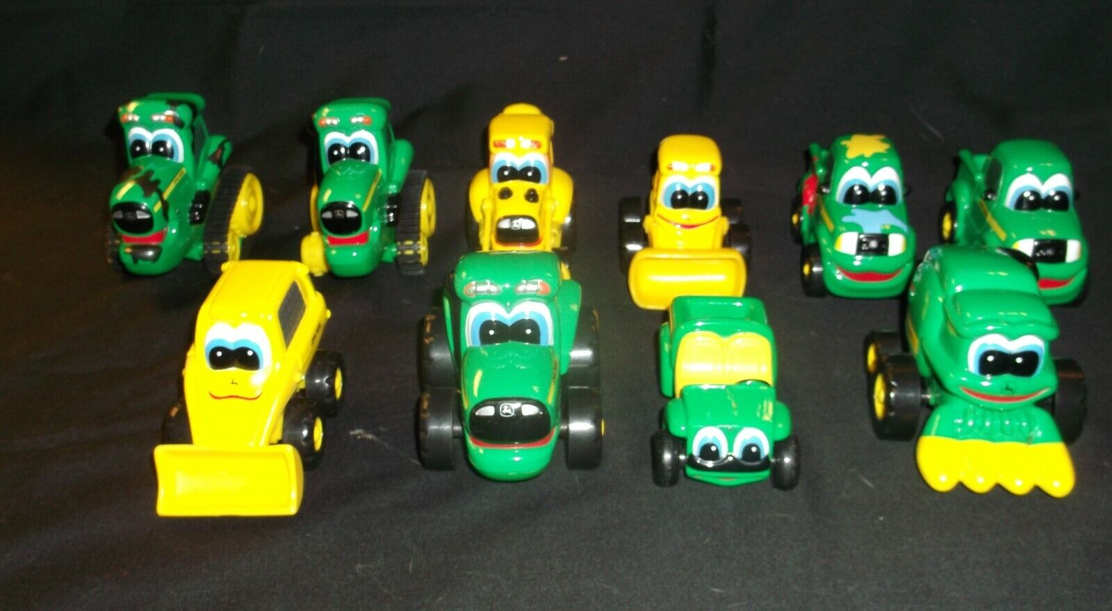 10 John Deere - Johnny Tractors - ERTL - My First Collectible - Push & Roll