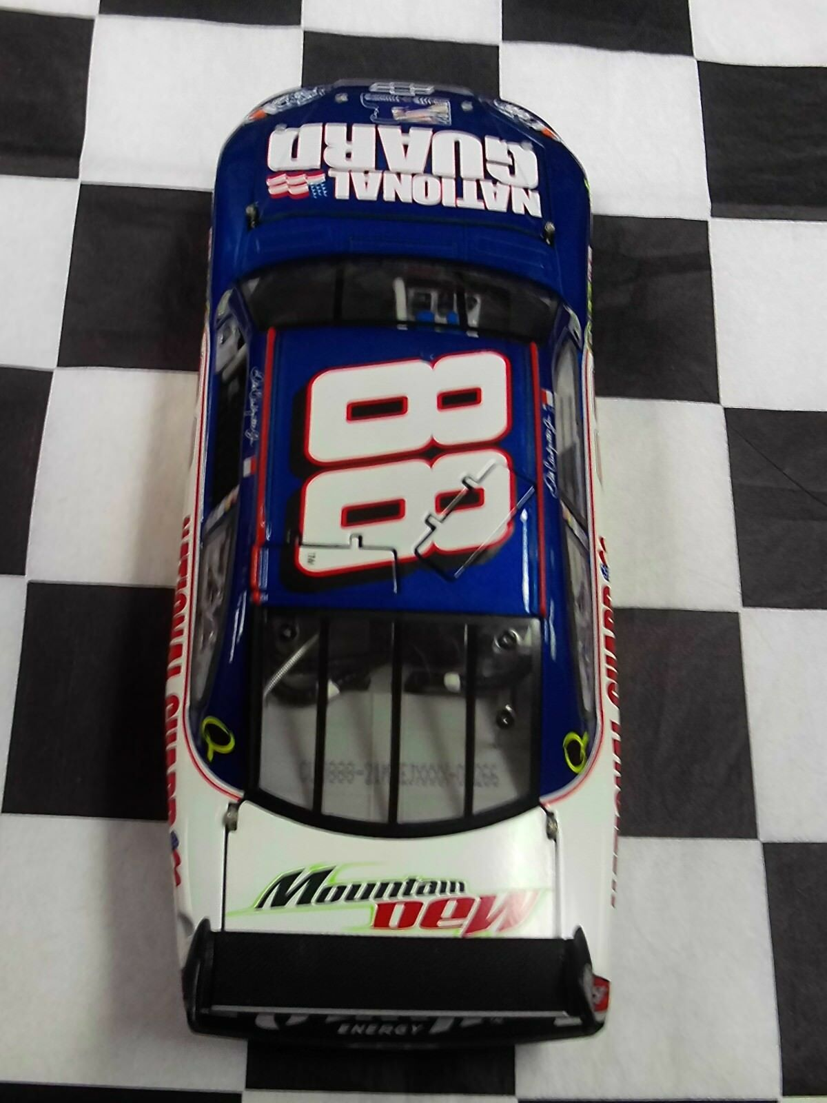 Dale Earnhardt Jr National Guard Salute Salute Salute The Troops 2008 SS 1 24 Action NIB 4fbd97