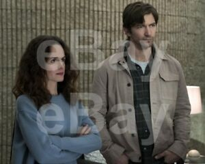 The-Haunting-of-Hill-House-TV-Elizabeth-Reaser-Michiel-Huisman-10x8-Photo