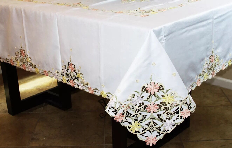 Elegantlinen Embroiderouge Embroidery Daisy Flower Cutwork Tablecloth 72x108
