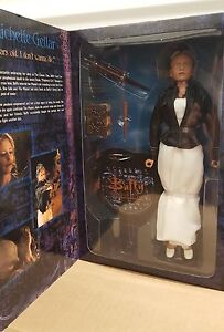 Sideshow-Buffy-the-Vampire-Slayer-Prophecy-Buffy-Exclusive-1-6-Scale-Figure