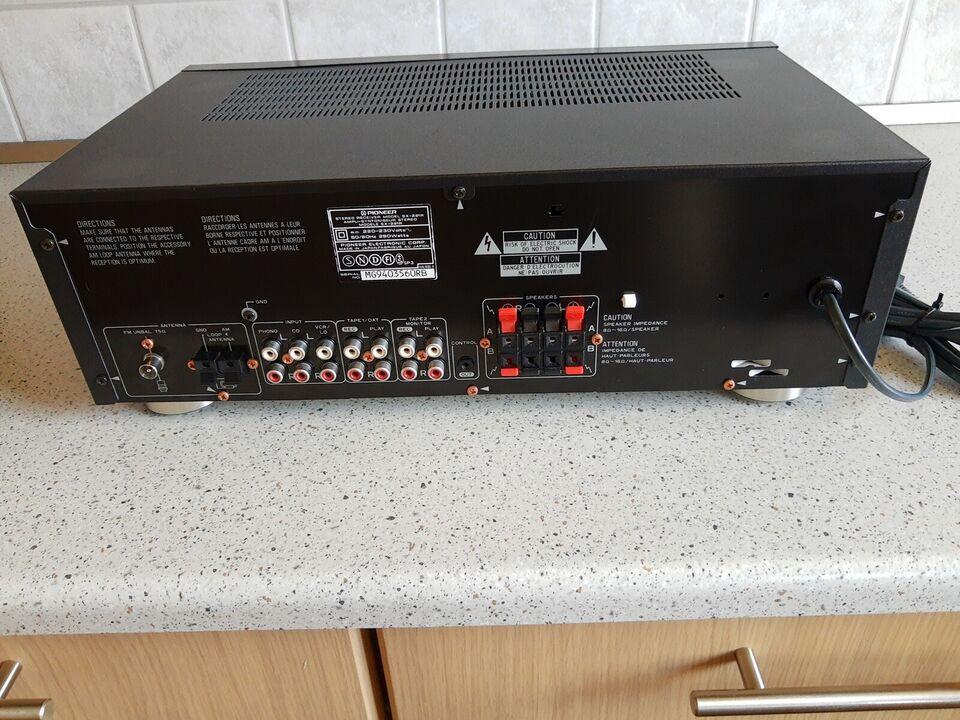 AM/FM radio, Pioneer, SX-221R