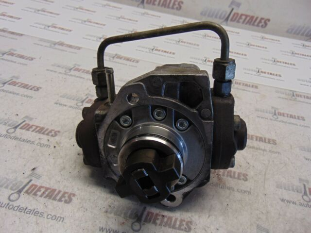 Toyota Avensis 2.2 Diesel Denso Injector Pump 22100-0R010 used 2007
