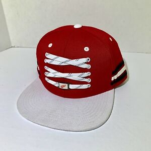 Detroit-Red-Wings-Lacer-SnapBack-Hat-Cap-Flat-Bill-NHL-Zephyr-Red-White-New