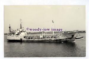 pf3183-F-T-Everard-Coastal-Tanker-Alacrity-built-1966-photograph