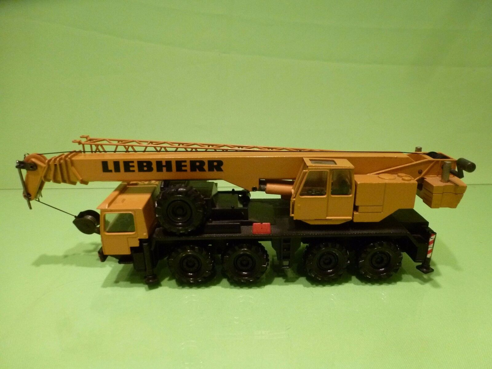 CONRAD 2079 TELESCOPE CRANE LIEBHERR  - MUSTARD YELLOW 1:50 - GOOD CONDITION