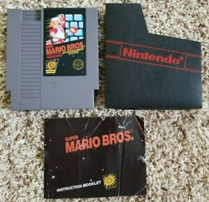 Original-Super-Mario-Bros-Nintendo-NES-5-screw-with-Manual-and-Dust-Sleeve