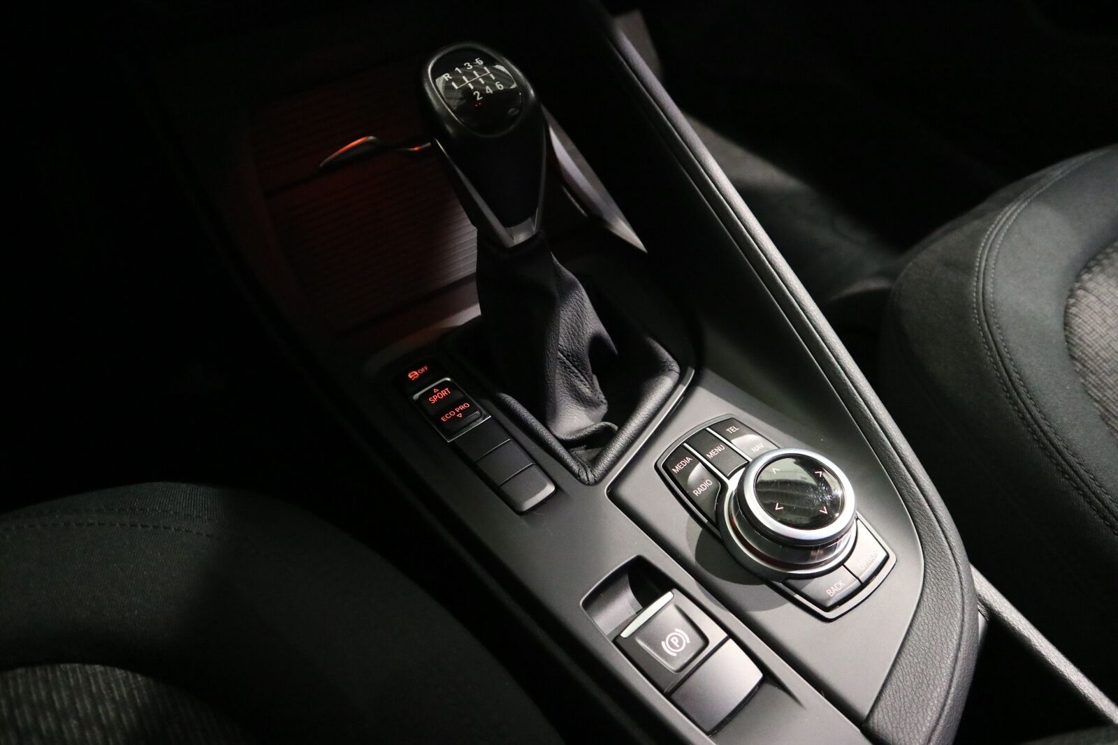 BMW X1 2,0 sDrive18d - billede 9