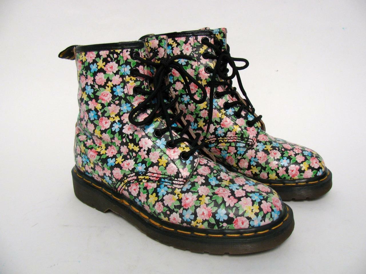 DOC HIPPY MARTENS DR RARE ENGLAND BLACK LEATHER FLOWER HIPPY DOC MEADOW BOOTS~5 UK/7 US 76b28d