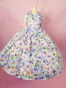 Handmade-Lavender-Floral-Print-Vintage-Style-Barbie-Doll-Dress-no-doll