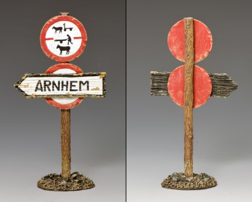 MG067 Arnhem Road Sign by King and Country