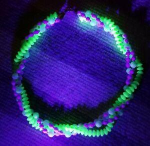 Vintage Uranium Green White 3 Strand Glass Bead Clasp Retro 50s Choker Necklace