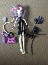 MONSTER High Bambola CATRINE DEMEW CON DUE ABITI