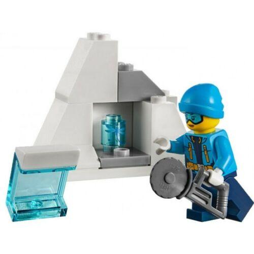 Ice block brand new Lego 60191 Arctic Explorer minifigure saw /& insect piece