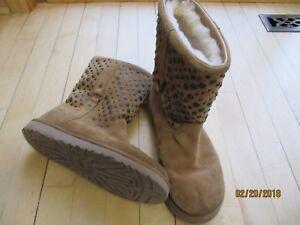 12f6212e857 Details about UGG Australia Eliott $192 Antique Metal Stud Short Suede  Boots Chestnut Women 8