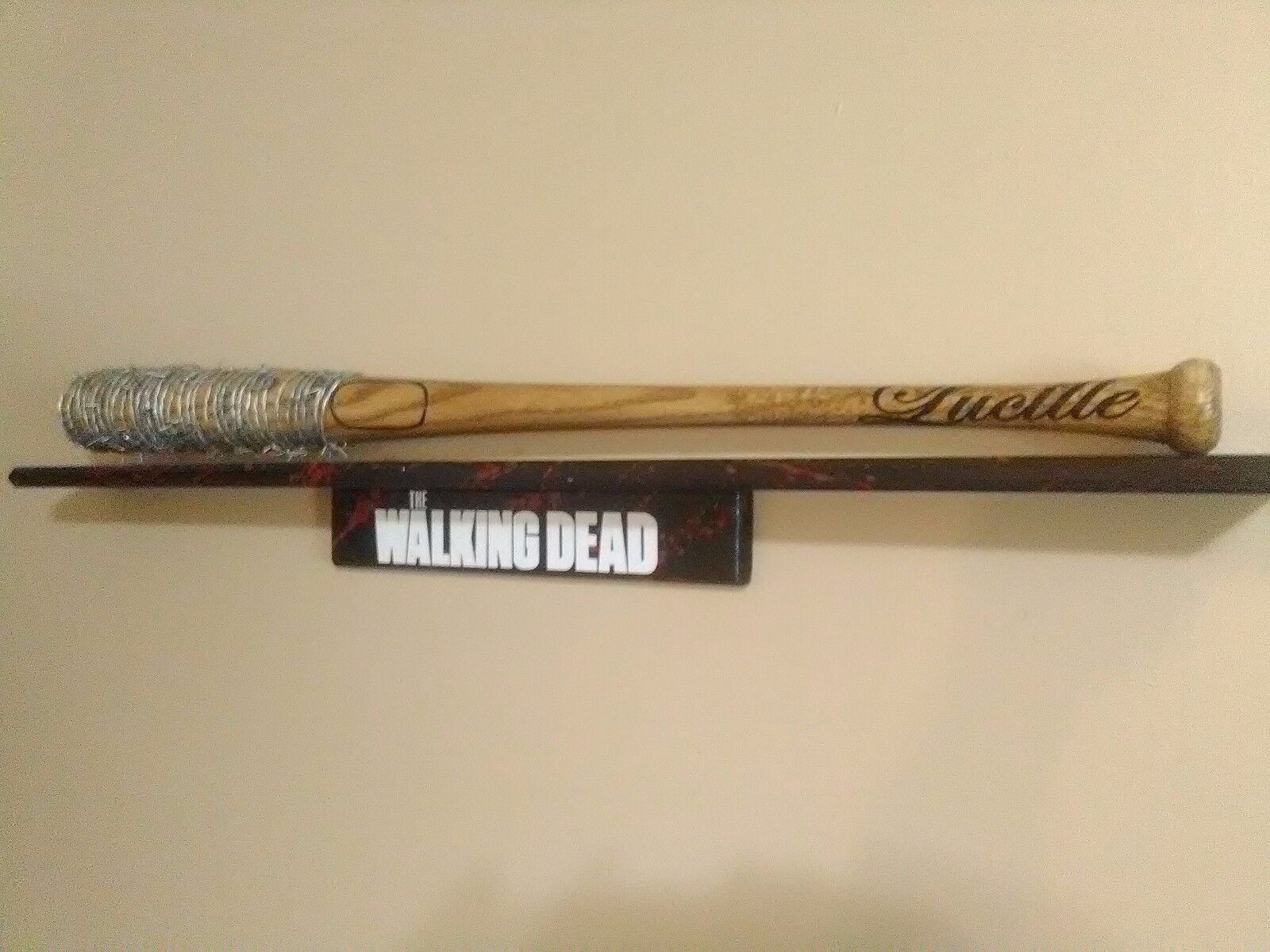 The Walking Dead negan 'Lucille Barbwire bat Prop éclaboussures de sang avec autocollants