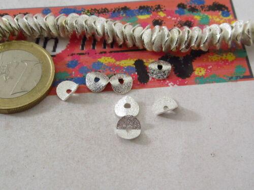 20 dischetti puntinati e piegati in ottone placcato argento di 6,5x1 mm hh