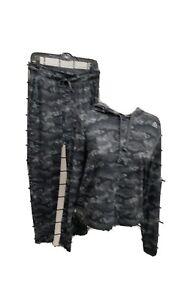 Nike 2pc. Ladies Jog Set. Excellent Condition. S, Blk&gray.