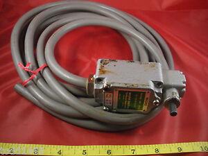Honeywell-Microswitch-1LS-4V-J550-Limit-Switch-Yamatake-5a-125-250v-10-86k-used