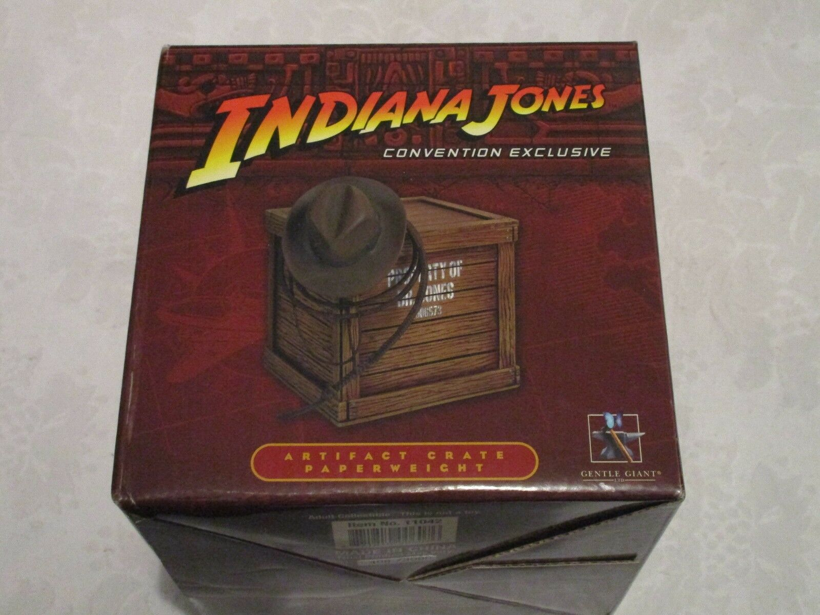 Gentle Giant Indiana Jones  Convention Exclusive Artifact Crate Paperweight  consegna veloce