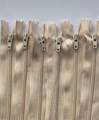 """18/"""" 50 x Size 3 Nylon Closed End Auto Lock Zips High Quality Size 4/"""""""
