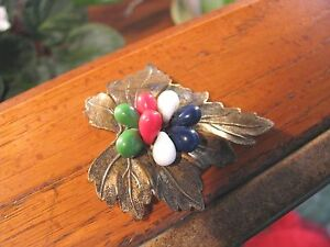 GORGEOUS-BRASS-LEAF-WITH-WIRED-BEADS-PIN-BROOCH-C-CLASP-EARLY-HASKELL