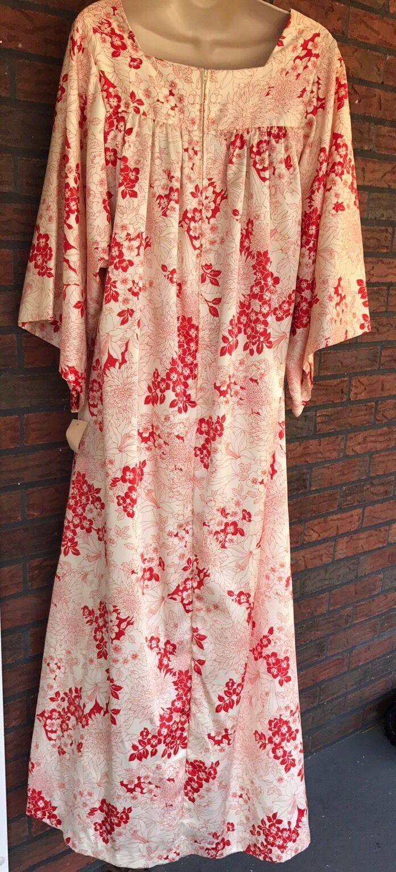 Vintage David Brown California Lounge Dress MuuMuu Red Ivory Floral Caftan NWT