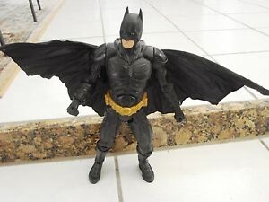 Batman-Dark-Knight-Movie-w-Action-Cape-13-034-DC-Comics-Bale-Figure-by-Mattel