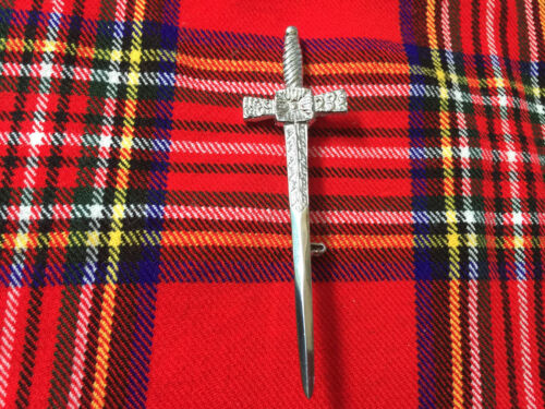 Scottish Kilt Pin Thistle Hilt Sword //Highland Kilt Pin//Larg Safety Pin Brooch